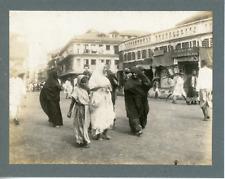 Inde, Scène de rue, ca.1910, vintage silver print Vintage silver print, mounted