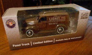 Classic Die-Cast Lionel Panel Train House Delivery 1946 Chevy Truck 1:48 Scale