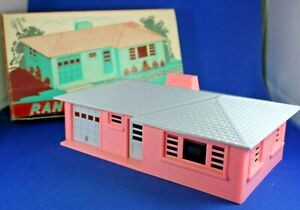 Plasticville - O-O27 - #RH-1 Ranch House Pink/Gray - Excellent++ Condition - Box