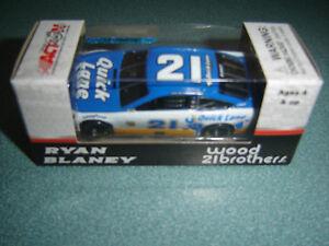 Ryan Blaney #21 QUICK LANE 2017 Ford 1:64 ARC - NASCAR