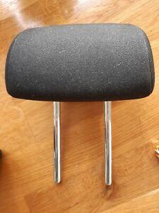 2006 - 2012 Kia Ceed MK1 5 Door rear headrest (2 available) 2007 2008 2009 2010