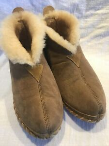 LL Bean Men's 8 Slippers Wicked Good Brown Suede Shearling Lined Bootie CLEAN