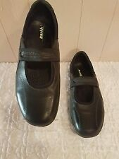 Earth Encounter Women's Black Leather Casual Shoes Sz 12B