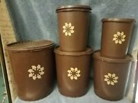 SET OF 5 VINTAGE TUPPERWARE BROWN SERVALIER NESTING CANISTERS W LIDS