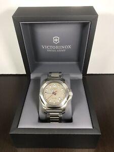 VICTORINOX INOX Swiss Army Men's Bracelet Quartz Watch V241739 20ATM 43mm