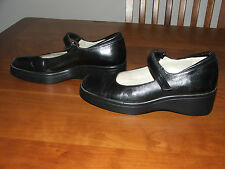 Womens size 6.5 Narrow (AA,N)  Black Talbots Mary Janes, leather upper