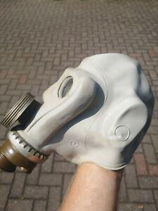 Sowjetische,Russische Gasmaske+neuem Schlauch+neuem Filter Affengesicht GP5 NVA