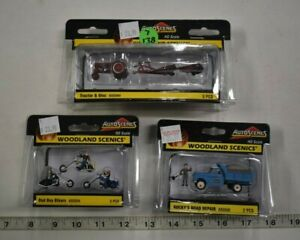 Lot 7-138 * HO Scale Woodland Scenics 3 x Assorted Pkgs Painted Vehicles Figures