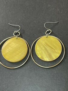 Yellow Dyed Shell Gold Tone Dangle Earrings Tiki Luau B5