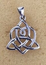 STERLING SILVER INTERWOVEN HEART AND TRIQUETRA PENDANT(Sister's Knot)