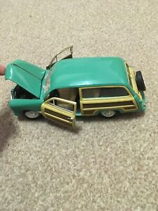 SS 8703 1949 Ford Woody Wagon Car -  Scale 1:24