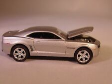 GL 2006 CHEVROLET CAMARO CONCEPT SPORTS CAR WITH RUBBER TIRES