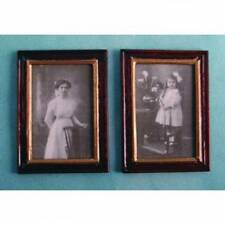 Due Black & White legno Incorniciato FOTO, DOLL HOUSE miniature scala 1.12