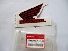 EMBLEME DE RESERVOIR (GAUCHE) moto HONDA CBR 900 RR 2002  ref:64852-MCJ-750 ZA
