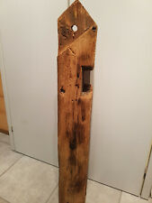alter Holzbalken, Dekosäule, histor. Baustoffe