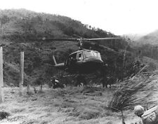 "Huey Helicopter dropping off 12th Cavalry Troops 8""x 10"" Vietnam War Photo 218"