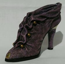 +Cloaked in Mystery Just The Right Shoe #25113 2000 Raine Willitts Collectible