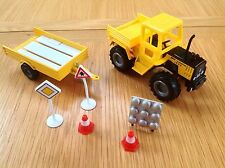 Welly Diecast Mercedes Pick Up Truck & Trailer With Roadside Accessories