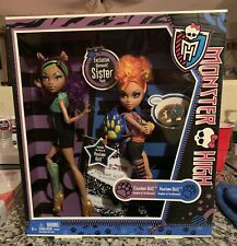 Monster High Exclusive Werewolf Sister Pack Clawdeen & Howleen Wolf Dolls 2-Pack
