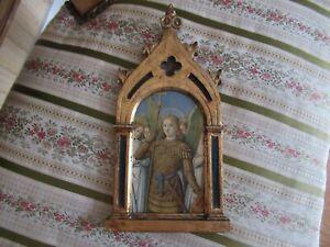 Cadre en bois doré style  Gothique