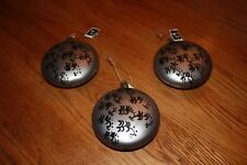 Christmas Ornaments, grey glass disc with black 'oriental' design. Beautiful!
