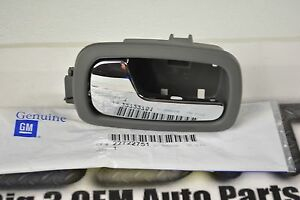 Pontiac Pursuit Chevrolet Cobalt Front LH Side Door Inside Handle Bezel new OEM