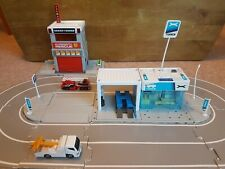 Tomy Tomica Hypercity Fire Station Repair Station Track 2 Cars Activity Toy 3+