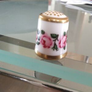 Royal Crown Derby The Billingsley Rose Bone China Thimble Dated 1985.