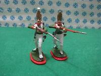 2 FIGURE  a piedi  metal toy soldier figure set