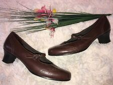 Munro American Brown Leather Mary Janes Size 10M Heel Shoes Made in USA