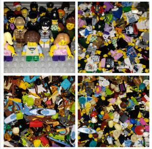 LEGO 500 MINIFIGURES WITH 500 UTENSILS LOT HUGE LOT