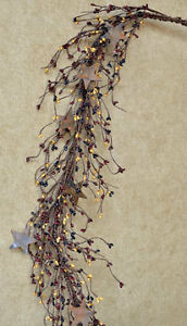 Pip Berry Garland with Rusty Stars - Colonial Mix
