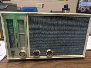 Vintage Zenith Radio Model X326 working