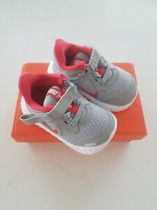 Nike toddler shoes UK 2.5 new