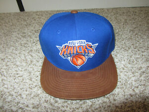 NWT New York Knicks NBA Basketball Hat Cap Mitchell & Ness Snapback Leather Bill