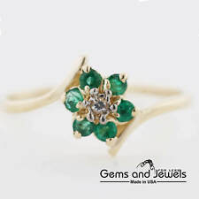 872 Black Friday Natural Emerald Flower and Solid 14K Yellow Gold Women's Ring