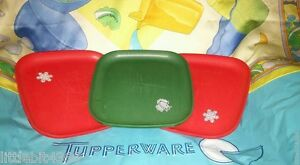 VINTAGE TUPPERWARE GREEN AND RED CHRISTMAS LUNCHEON PLATES # 1534 DOVE, SNOW