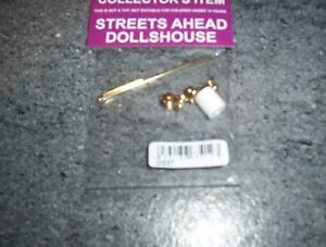 Dolls House Miniatures 1/12th scale Bathroom towel rail etc