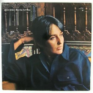 JOAN BAEZ One Day At A Time LP NM- VG++