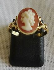 BAGUE ANCIENNE EN OR JAUNE 18 K CARATS SERTIE D'UN CAMEE CAMAY - TAILLE 51