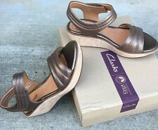 Clarks Hazelle Alba Women Sz 9.5 Pewter Leathr Wedge Ankle Strap Platform Sandal