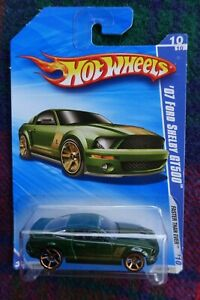 """2010 HOT WHEELS """"Faster Than Ever"""" 2007 Ford Mustang Shelby GT-500 green / gold"""