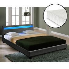 Moderne Betten mit Matratze 140cm x 200cm