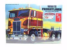 Amt 620 Blanco Freightliner Dual Drive Camión Tractor 1/25