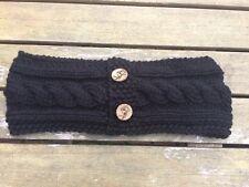 Aran Cerchietto/Scalda orecchie con Guscio di Cocco pulsanti. HAND Knitted da Maddy Knits