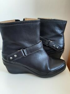 Clarks Unstructured Black Leather Ankle Boot Size 6d