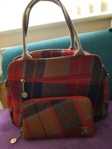 House of Tweed handbag & matching purse. Good condition.