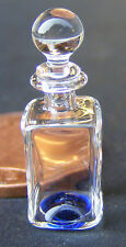 Escala 1:12 decantador de cristal cuadrado Med con una base Azul Accesorio Casa De Muñecas GD1
