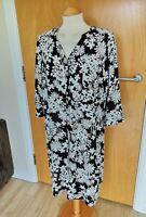 Ladies SOPHIE GREY DRESS Size 16 Black White Tunic Wide Fit