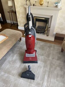 Miele Upright Dynamic U1 Cat & Dog Power Plus Vacuum Cleaner. Free UK Postage